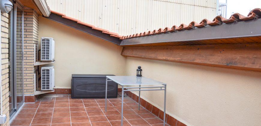 Duplex en venta en Castelldefels centro – Ref. CS001213EA
