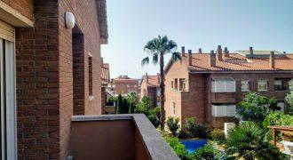 Piso duplex en Lormont, Castelldefels Ref: CS001256EA