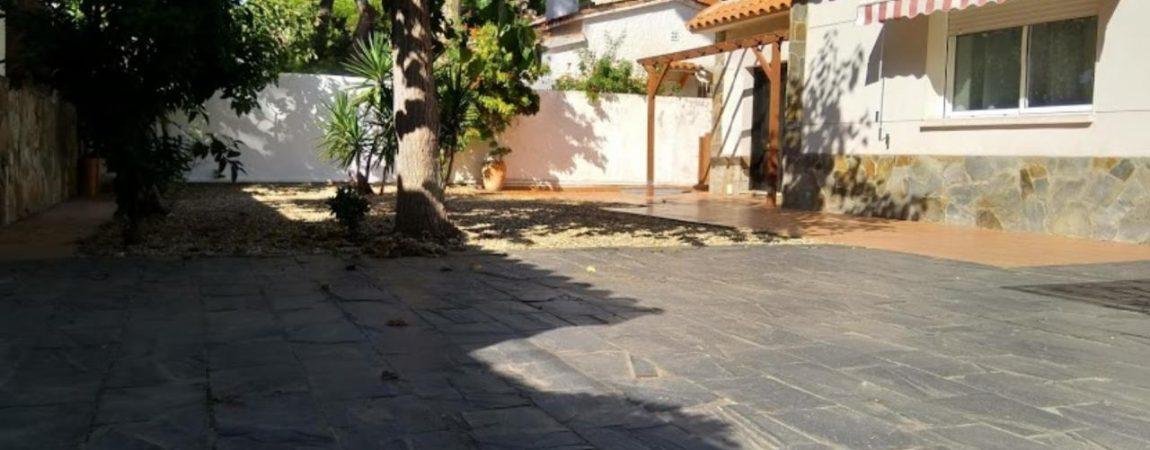 Casa unifamiliar en alquiler – La Pineda – Castelldefels – CS001266PC