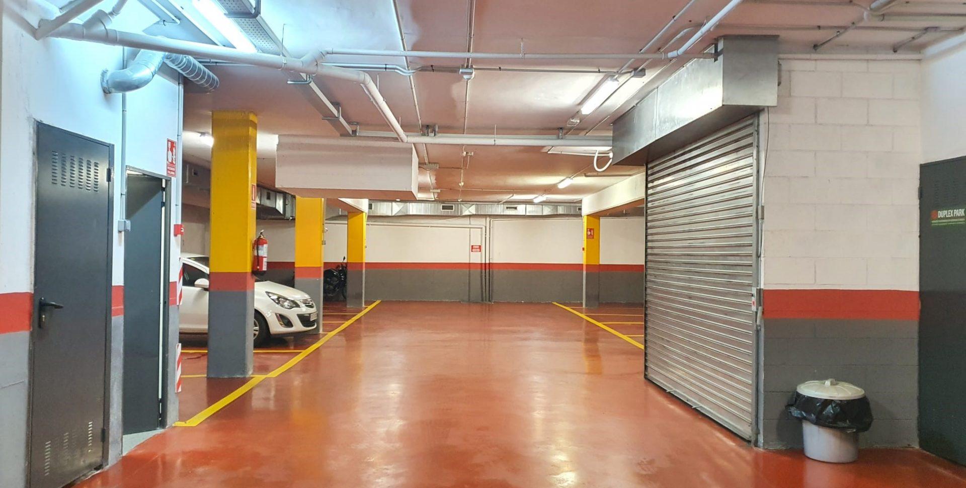Plaza parking en venta en centre Castelldefels – Ref. CS001208EA