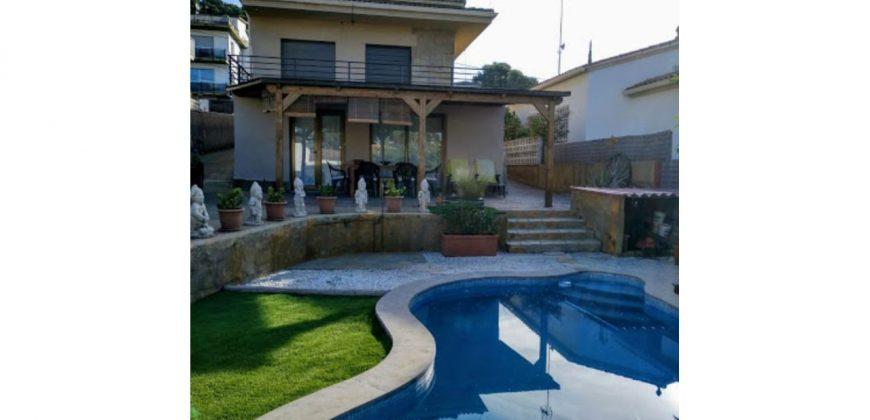 Casa unifamiliar en alquiler en Montemar – Ref. CS001307EA